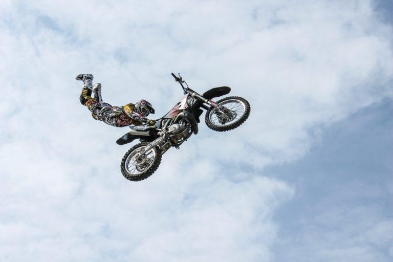 motocross stunt superman seat grab